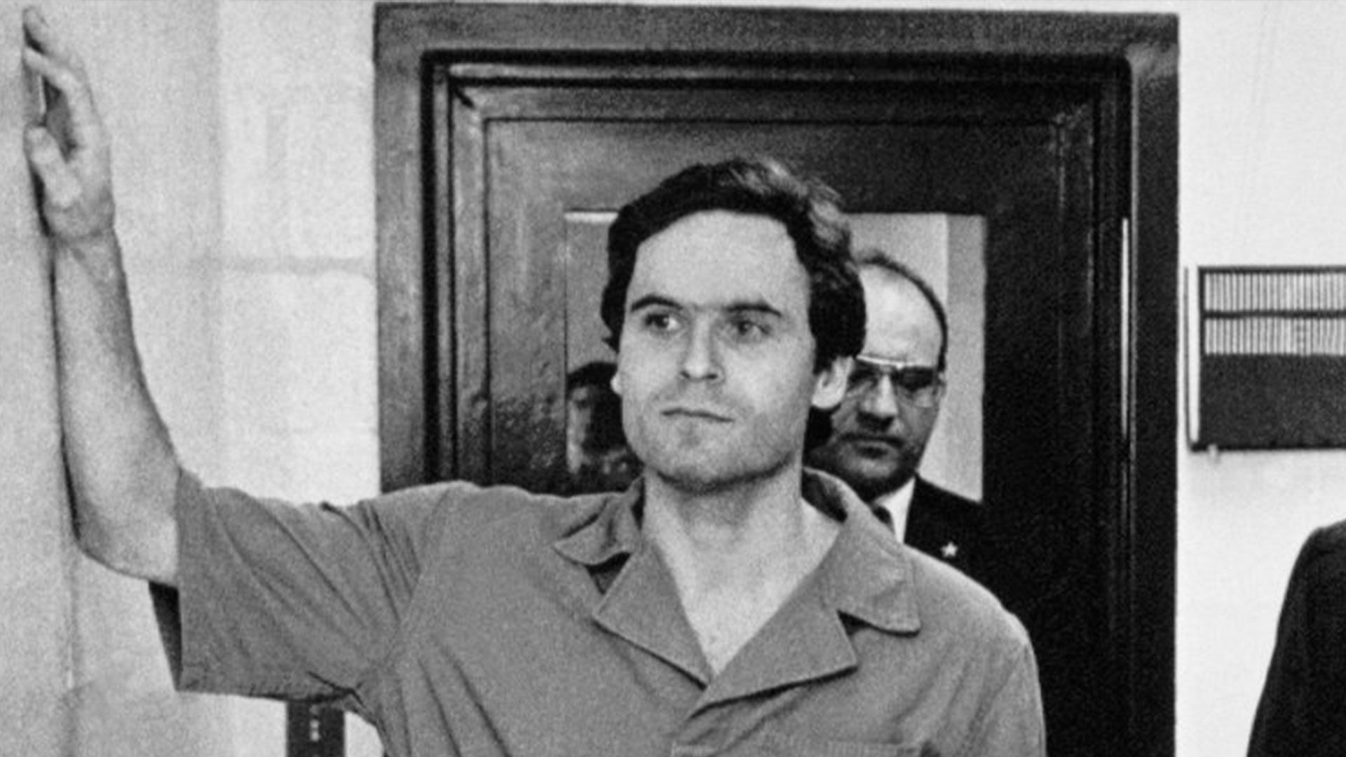 Ted Bundy: Bir Katile Tutulmak